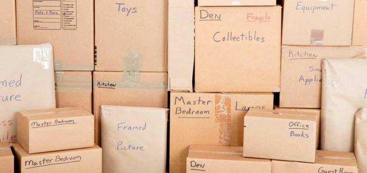 Consigue muchas cajas para guardar tus cosas